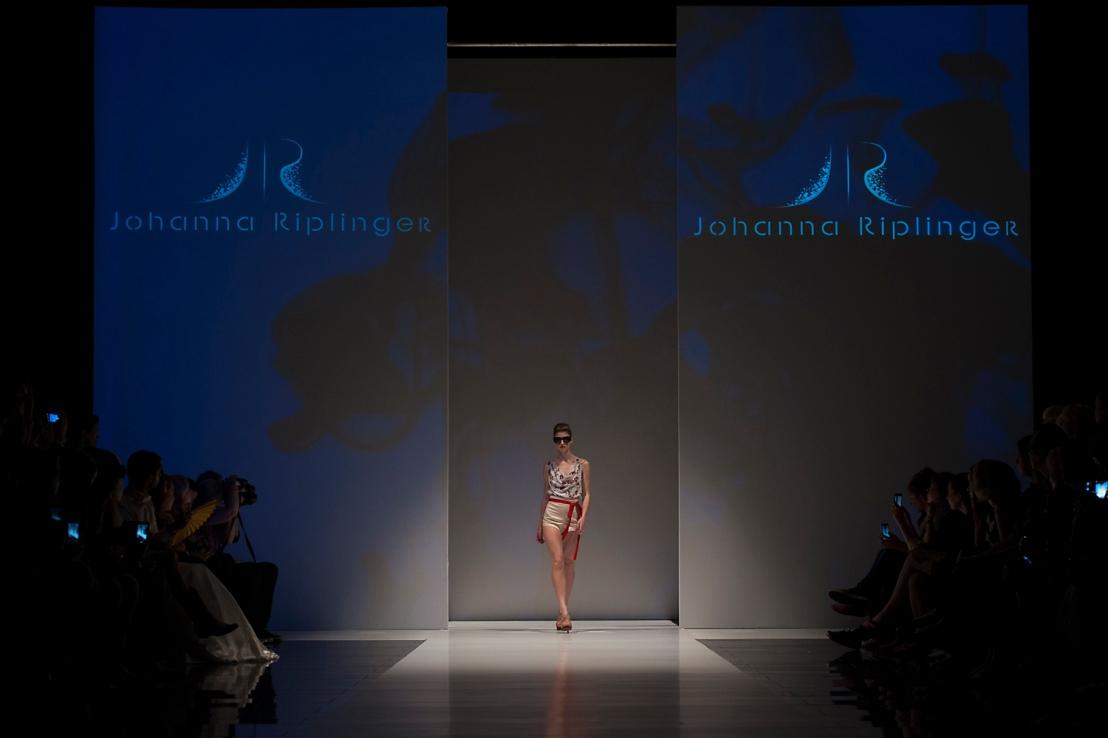 Johanna Riplinger Showfloor Berlin July 2013