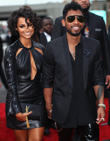 Miguel arrives at the 2014 Grammys Awards